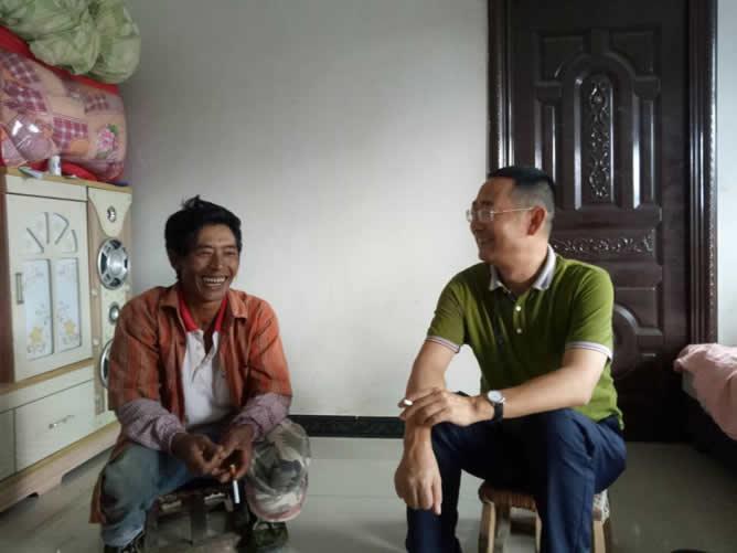 市政协副主席张龙明在班奈村调研时强调: 产业扶贫是激发脱贫内生动力的关键